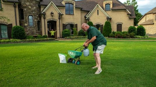 customer diy lawn care 11